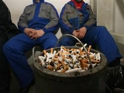 Курение в России предложили объявить вне закона0