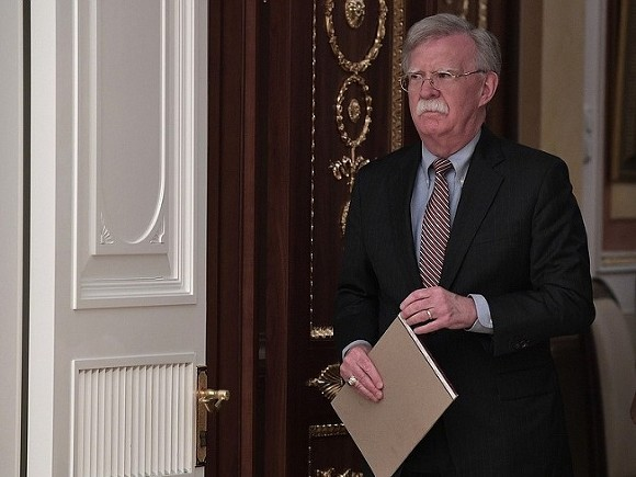Photo of Болтон заявил, что США не потерпят вмешательства «враждебных стран» в Западном полушарии
