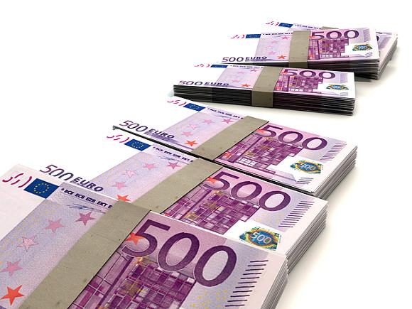 Средняя зарплата в Латвии превысила 1000 евро0