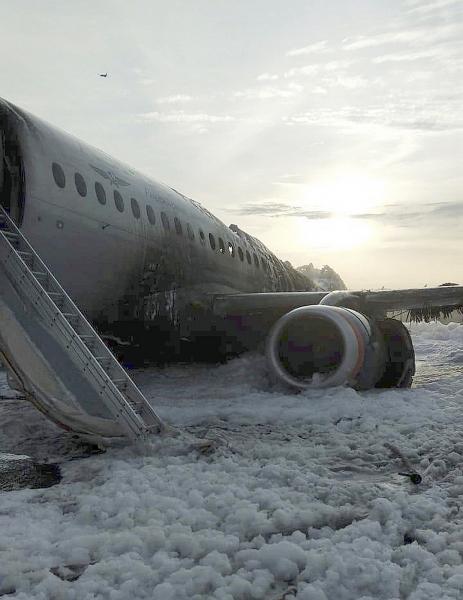 Photo of «Не хочется быть мясом» Появилась петиция запретить полеты самолетов Sukhoi Superjet 100