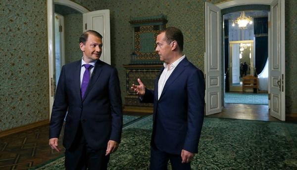 Дмитрий Медведев высказал мнение, что в отношении Украины следует набраться терпения0