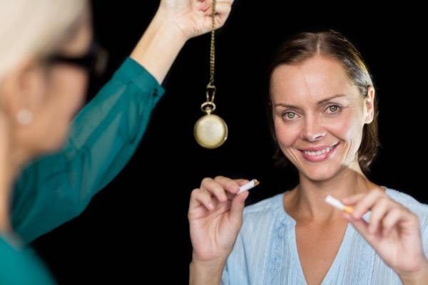 Гипноз эффективно борется с головной болью0