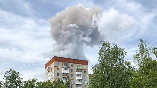 Из-за взрывов на заводе в Дзержинске повреждены 70 детсадов и 31 школа0