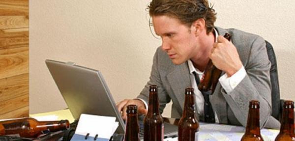 Photo of Трезвенники пропускают работу не реже алкоголиков