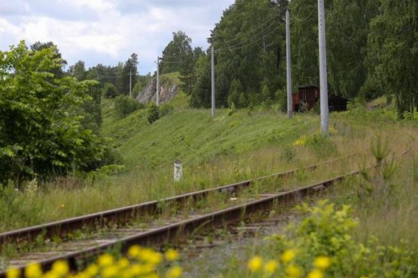 Как погибают брошенные на Урале железнодорожные деревни и почему их не расселяют7