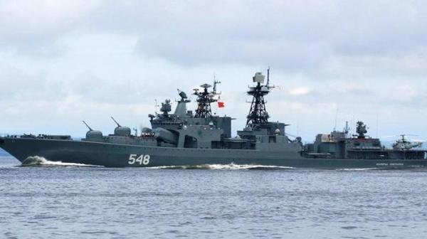 """Крейсер ВМС США """"подрезал"""" российский корабль1"""