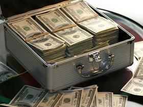В «деле Захарченко» счет пошел на миллиарды долларов1