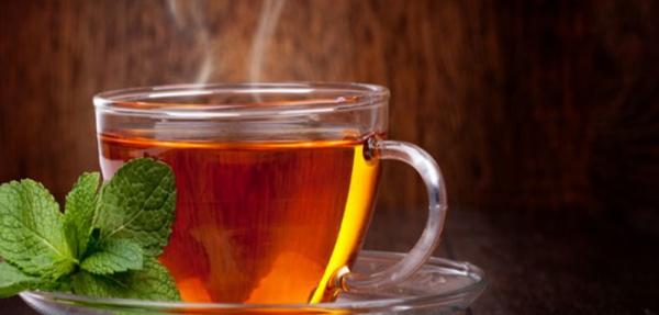 Медики нашли связь между горячим чаем и опасным заболеванием0