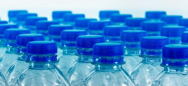 Вода в бутылках не лучше, чем из-под крана0
