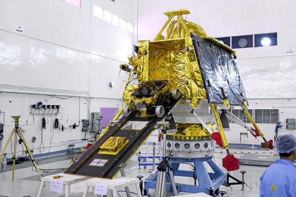 Photo of Найдена спускаемая платформа зонда «Чандраян-2»