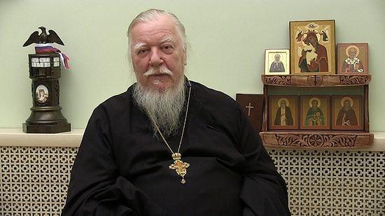 Photo of Протоиерей Смирнов заявил, что наука «валяет дурака», придерживаясь теории Дарвина