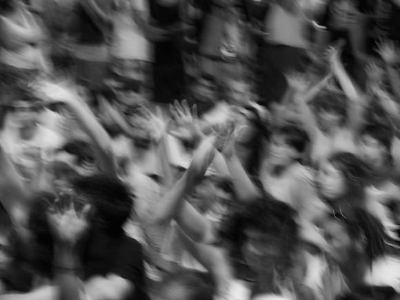 Photo of Жители Саратова требуют выдать им убийцу девятилетней девочки
