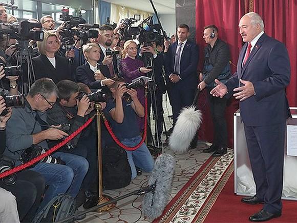 Photo of Лукашенко «мощно задвинул»