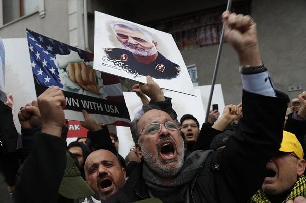 Photo of На церемонии прощания с Сулеймани убиты десятки людей