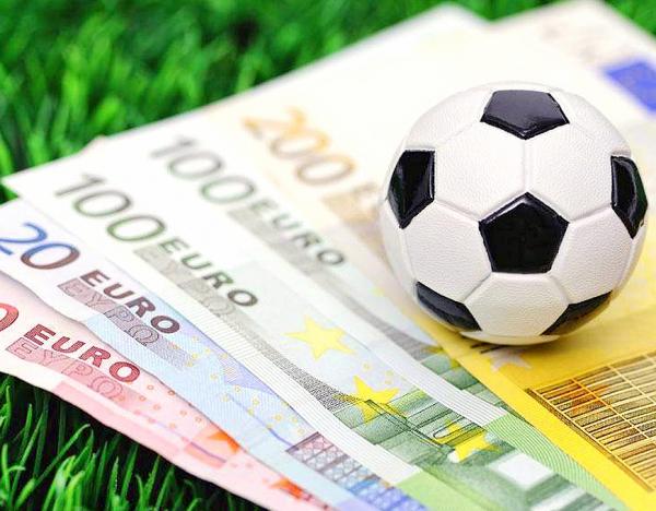 Photo of УЕФА потребует сотни миллионов евро компенсации за перенос чемпионата Европы