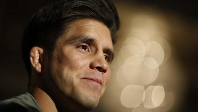 Photo of Чемпион UFC защитил титул и решил завершить карьеру