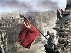 Photo of Facebook удаляет посты со снимком Знамени Победы над Рейхстагом