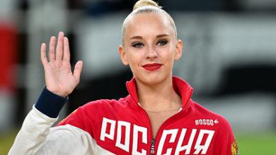 Photo of Российскую гимнастку раскритиковали за фото в нижнем белье во время беременности